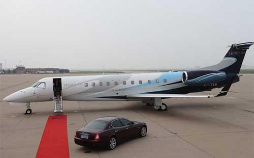 着名小品演员赵本山购买私人飞机已众所周知