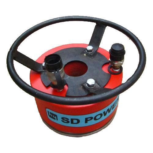 整个系统由电动泵,阀组,移动小车,电控四大部分组成.图片