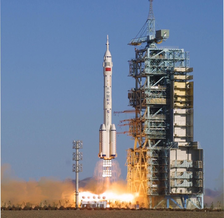 火箭发射塔架 素材