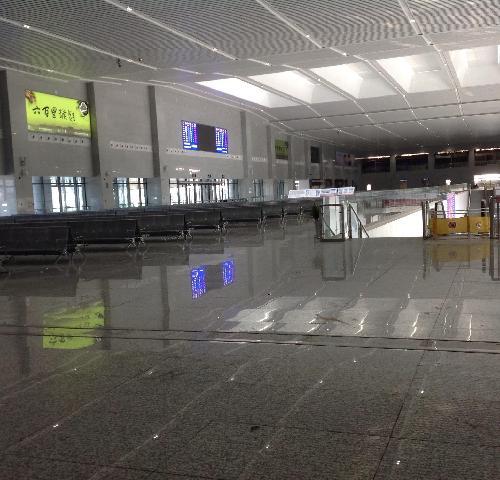 京福高铁黄山北站到黄山风景区的旅游专线大巴已严正