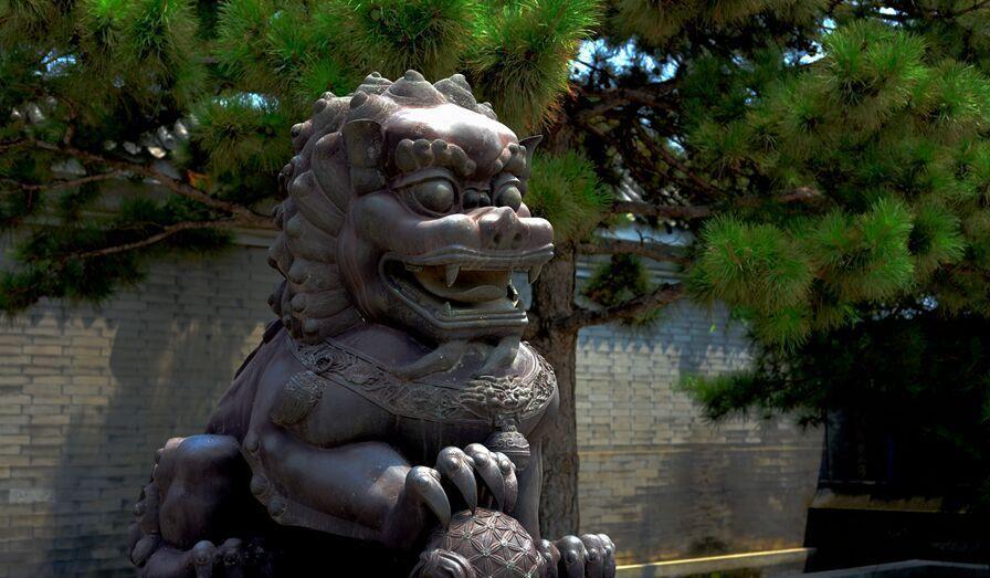 青岛中欧国际城附近有个雕塑园
