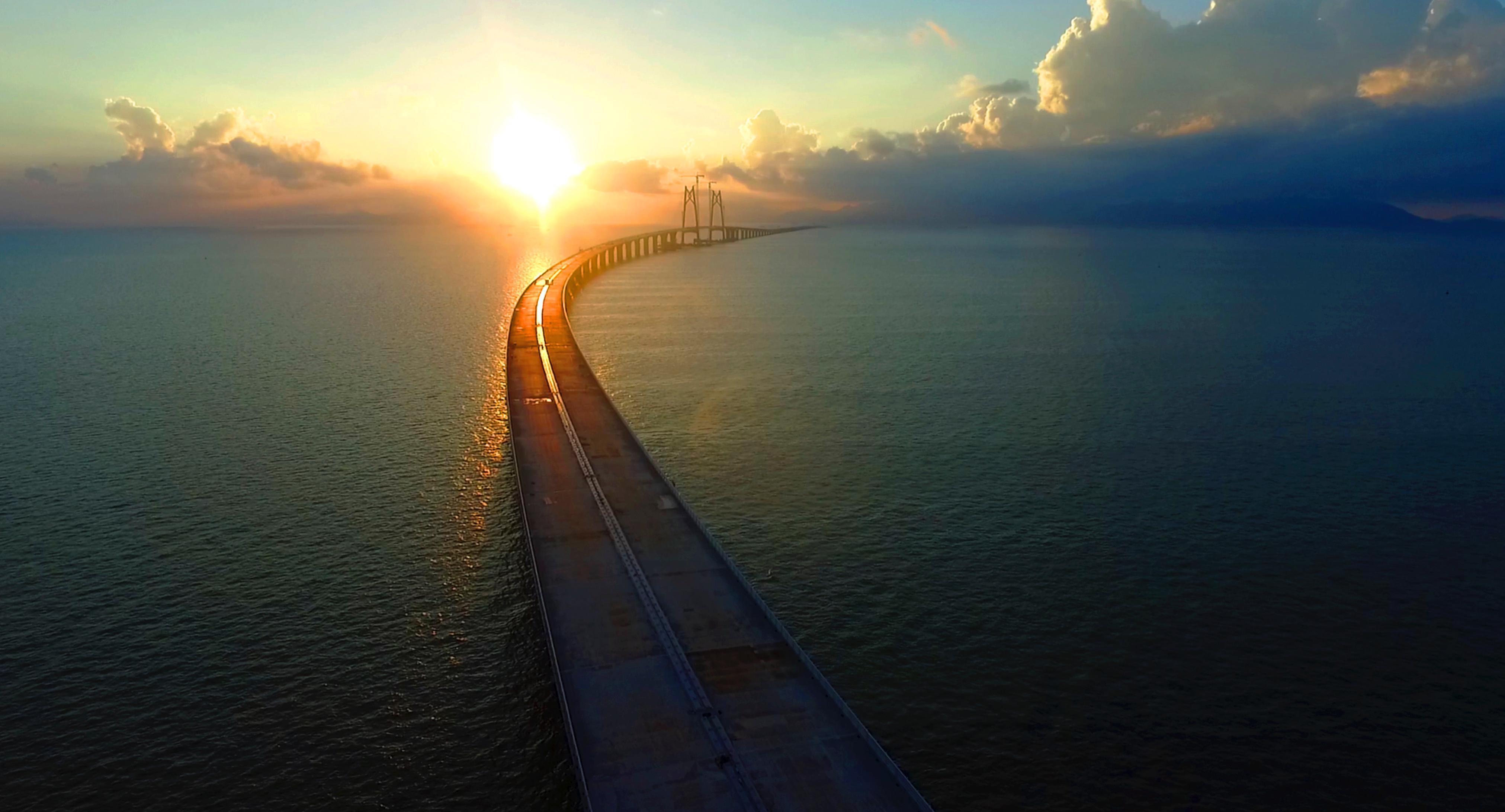 礼 伶仃洋上的港珠澳大桥