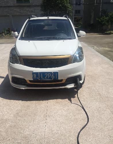 8万元买了江铃新能源股份有限公司生产的,电池保质八年的电动汽车